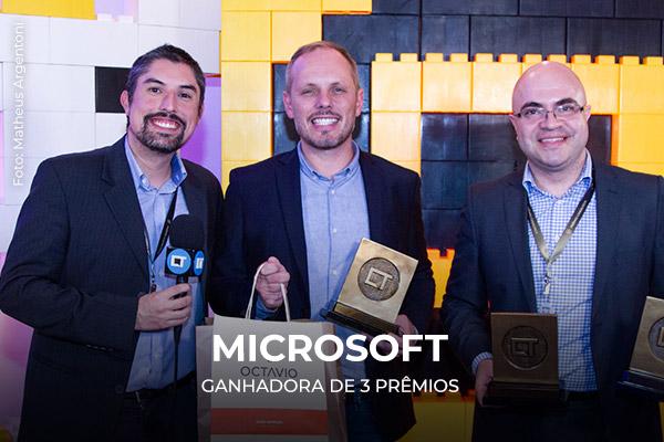 Entrega dos prêmios para a Microsoft